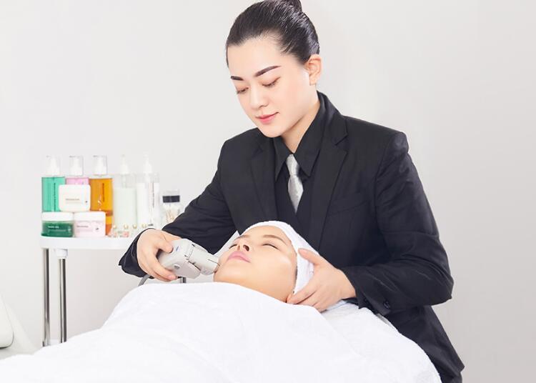 南昌晶炫化妆学校韩式皮肤管理创业班培训