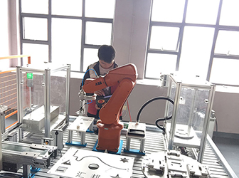 工业机器人编程培训 校企合作